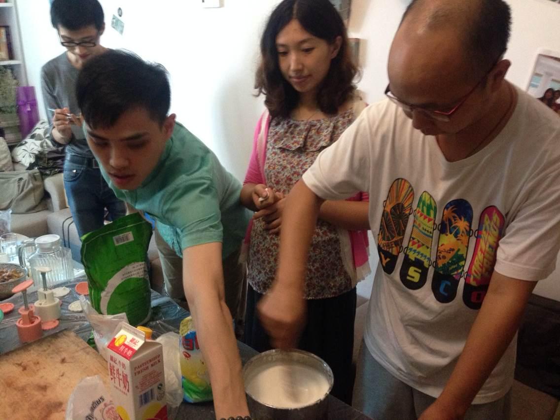 技客区_DIY鈡意月饼,迎甜蜜中秋----Stacy教你做冰皮月饼
